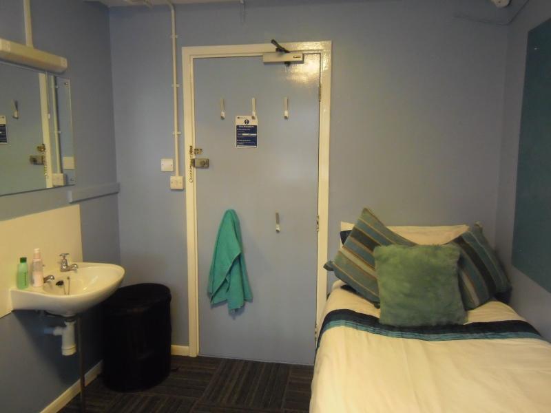 Bedroom Bin