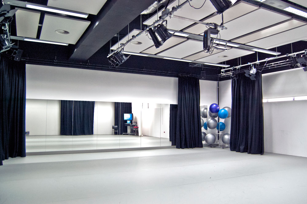 Drama And Dance Students Also Have Access To Wolverhamptons Arena Theatre A Professional Touring Venue Where Can See Range Of Contemporary